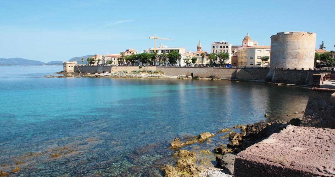 Vacanta in Sardinia. Episodul 1 – Alghero