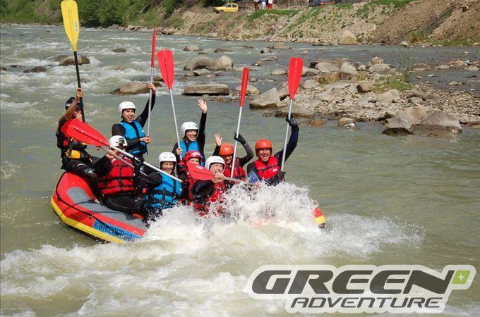 Rafting pe Buzau cu echipa Green Adventure