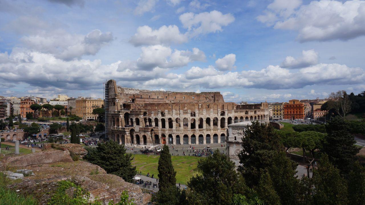 Vacanta la Roma. II