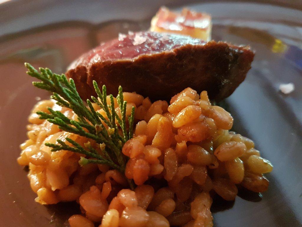 Restaurant o stea Michelin El Batan - Tramacastilla -Vită supremă afumată, cu risotto de grâu
