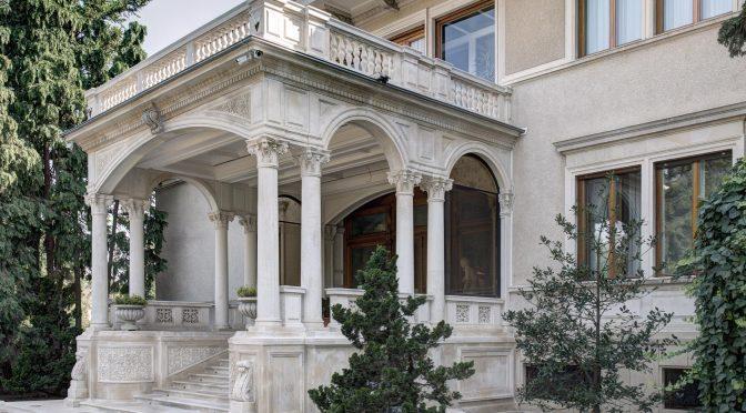 În vizită la Casa Ceaușescu sau înapoi în viitor?