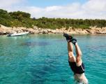 Vacanta in Sardinia - Alex sare din barca