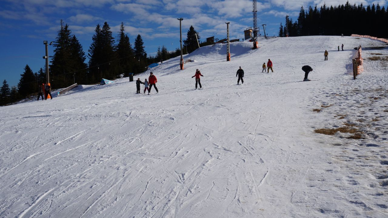 Ski si snowboard la Arena Platos